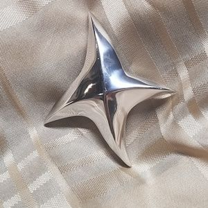 VTG 1978 Givenchy abstract silver tone star brooch